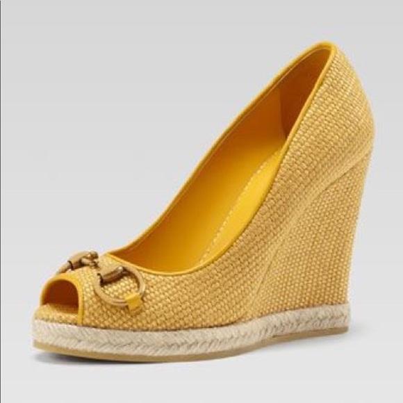 eefc9fd5022 Gucci Shoes - Gucci Bumblebee Woven Raffia Straw Wedge size 39